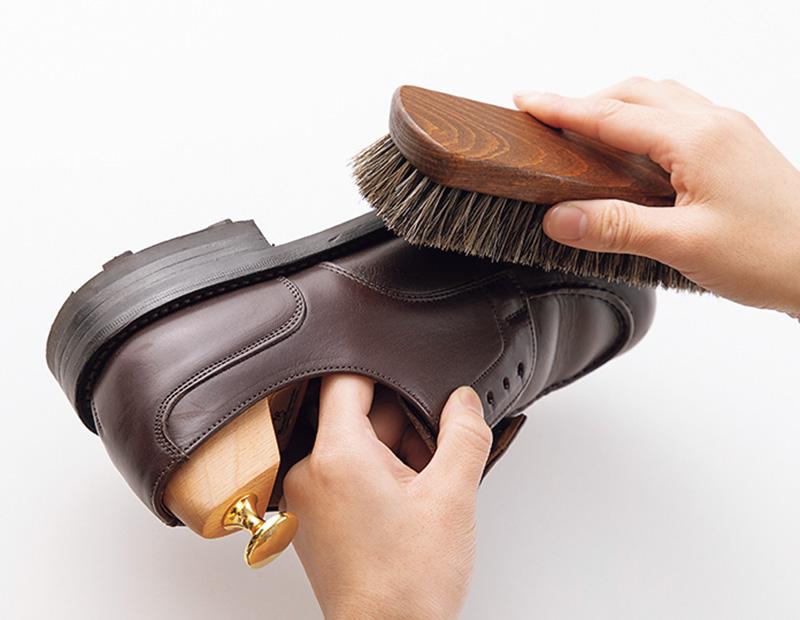 月に一度、革靴にご褒美ケアをしてあげよう
