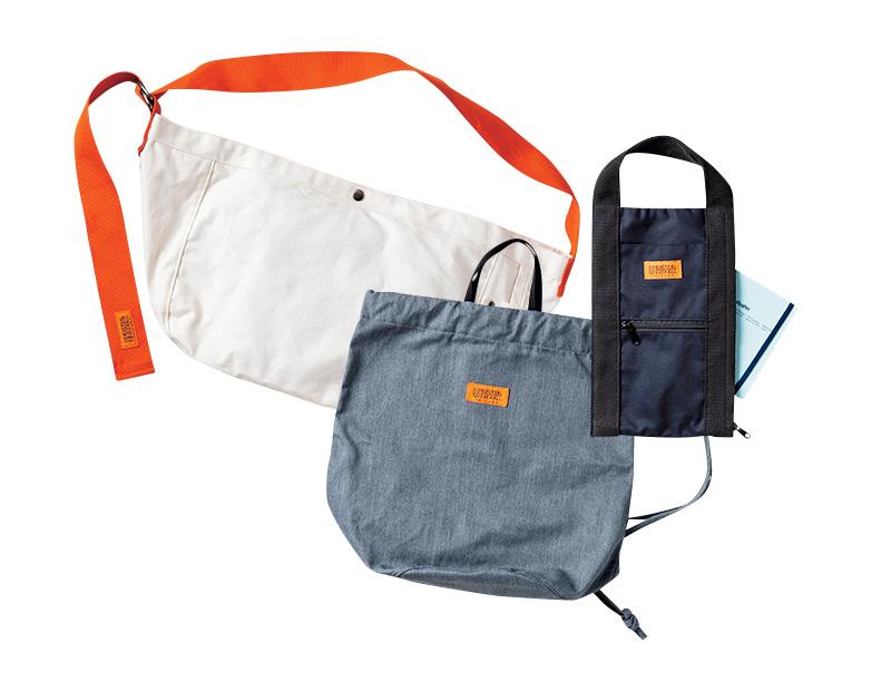 ユニバーサルオーバーオールのバッグ