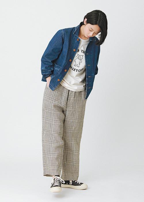 チマラのワークジャケット ミクスタの猫Tシャツ トゥジューのイージーパンツ