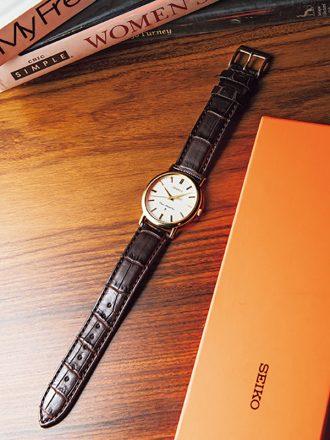 服に合う腕時計とは?