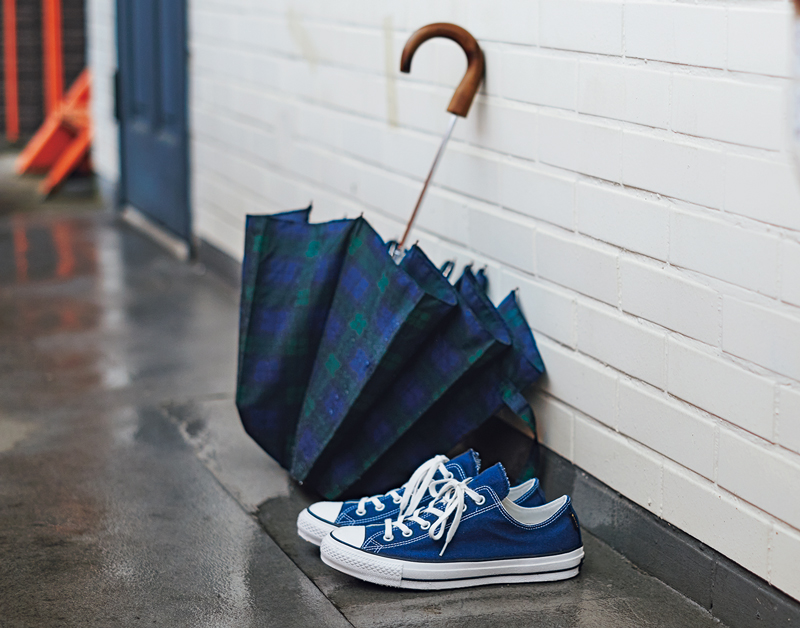 コンバースと傘